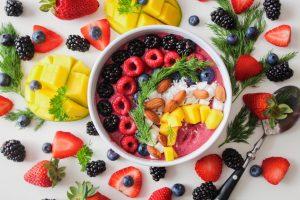 Farfurie cu fructe sanatoase cu efect anti-colesterol