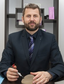 Dr. chirurg estetician Calin Dobos