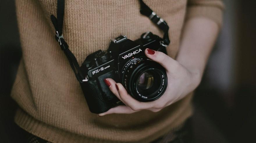 hobby, fotograf, femeie fotograf, aparat de fotografiat