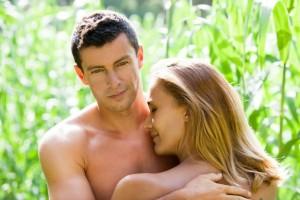cumplu gol imbratisat, face sex