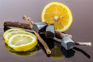bete de lemn-dulce, felii d elamaie, ceai de lemn dulce
