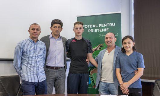 Miodrag Belodedici și Ion Vlădoiu promovează fotbalul și prietenia în rândul copiilor