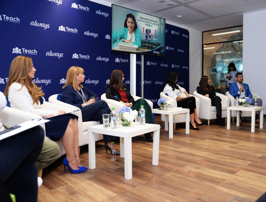 Sustinatoarele campaniei Atelierele Increderii - Oana Cuzino, Andreea Berecleanu, Anca Serea.jpg