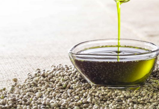 Uleiul CBD, substanța minune care îngrijește pielea și reduce anxietatea