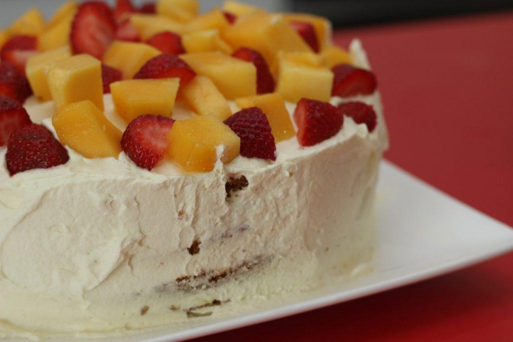 Torturi cu fructe, ideale primavara
