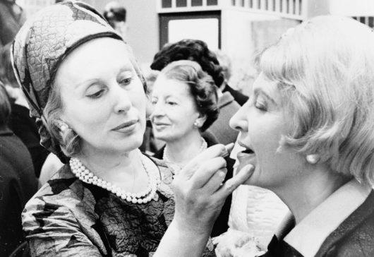 Estée Lauder și povestea cosmeticelor de succes