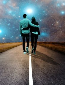 tineri care s-au intalnit pentru ca au destin cosmic comun