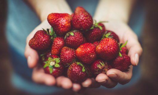 Avem căpșuni. Ce facem cu ele