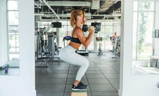 O rutină sănătoasă: fitness la prima oră a dimineții