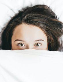apa noaptea, vezica urinara, somn intrerupt, femeie, insomnie