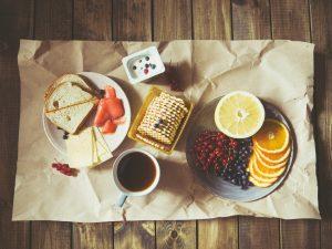 regula de cinci secunde, mancare pe hartie, biscuiti, mic dejun