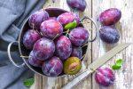 consumul d epruen, castron cu prune, fructe mov, prune